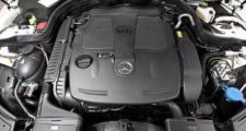 奔驰e级,E300L的动力真的太一般了,2.0T高功版发动机数据看着很漂亮,实际体验太差,涡轮迟滞明显,高速后段加速明显疲软,得等一会儿,一点都不畅快