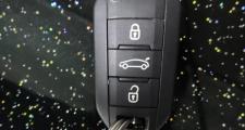 标致308,2018款308手自一体豪华版遥控钥匙怎么换电池